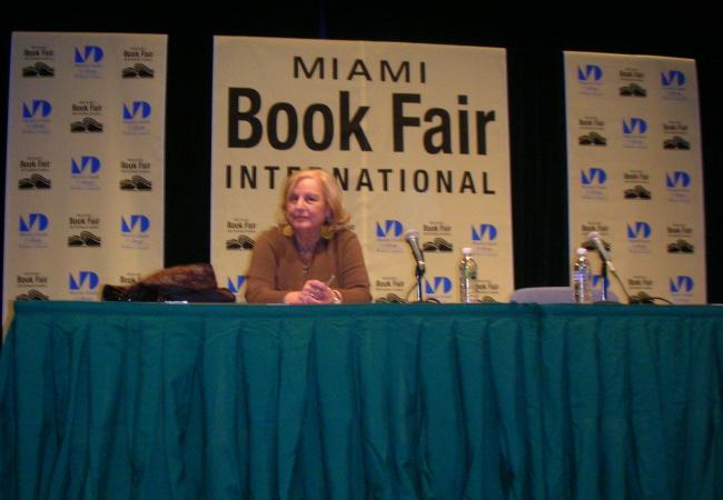 Olga Connor en Miami Book Fair