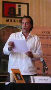 Arturo Morel presentando libro 10 años sin Paz 1