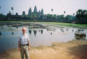 En la entrada al Angkor Wat en Camboya 600 X 405